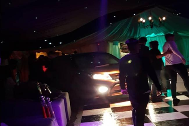 Panic as vehicle `driven into Kent nightclub´
